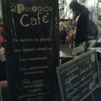Foto scattata a 2Periodico Cafè da Elisa M. il 5/10/2013