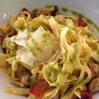 Foto tirada no(a) B-crek Restaurant por Dani P. em 12/28/2012