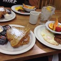 รูปภาพถ่ายที่ Weiss Deli and Bakery โดย Natasha S. เมื่อ 12/27/2014