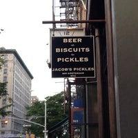 รูปภาพถ่ายที่ Jacob's Pickles โดย Nicole H. เมื่อ 8/25/2013