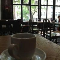 Снимок сделан в Taszo Espresso Bar пользователем Alex S. 6/24/2013