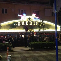 2/23/2013 tarihinde Kadir K.ziyaretçi tarafından Saloon Sheriff'de çekilen fotoğraf