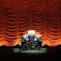 Foto tirada no(a) The Byrd Theatre por Todd N. em 12/4/2012
