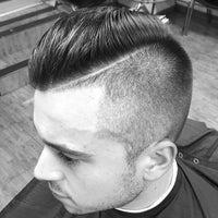 Foto scattata a David's Hairstyling da david's h. il 12/10/2014