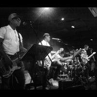 Foto scattata a Wala Wala Cafe Bar da Joys H. il 11/6/2012