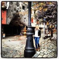 Das Foto wurde bei Hundertwasserhaus von Stenysha am 10/16/2012 aufgenommen