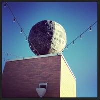 Das Foto wurde bei Moonrise Hotel von Christine N. am 9/23/2013 aufgenommen