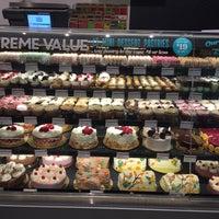 Foto scattata a Whole Foods Market da Jen L. il 11/5/2015