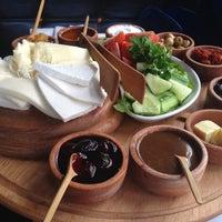 Foto diambil di La Vraie Ambiance Cafe & Restaurant oleh Yağmur Damla T. pada 3/9/2013