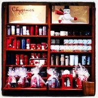 Снимок сделан в Starbucks пользователем Alex O. 11/17/2012