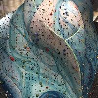 Foto tirada no(a) Sender One Climbing, Yoga and Fitness por Jimmy Y. em 11/18/2017