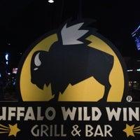 Foto tomada en Buffalo Wild Wings por Rob M. el 1/12/2013