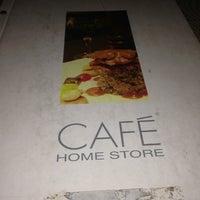 Das Foto wurde bei Home Store Cafe von İsim Yok .. am 7/24/2013 aufgenommen
