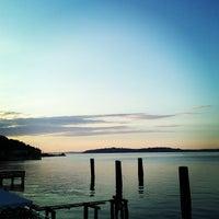 Foto scattata a Alki Beach Path da Brian S. il 7/8/2013
