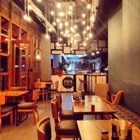 11/2/2013 tarihinde Serkan O.ziyaretçi tarafından Pupa Burger'de çekilen fotoğraf