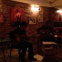 Das Foto wurde bei Mekan Kalamış Sakman Club von Selcuk B. am 2/21/2013 aufgenommen
