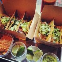 รูปภาพถ่ายที่ Otto's Tacos โดย JamesCruickshank @. เมื่อ 11/5/2013