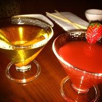 Photo prise au HaChi Restaurant & Lounge par Jen O. le1/6/2013