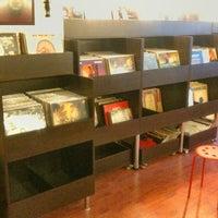 1/3/2015에 İlbey Y.님이 Jammin's Vinyl Records & Café에서 찍은 사진
