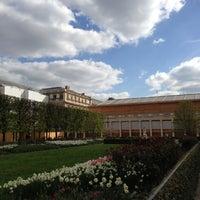 4/22/2013にMikeがJardin du Palais Royalで撮った写真
