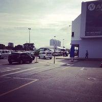Foto tirada no(a) Araguaia Shopping por Matheus F. em 3/31/2013