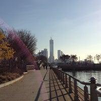 รูปภาพถ่ายที่ Hudson River Park โดย Erin L. เมื่อ 11/22/2012