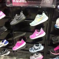 0af4e1aef31a1f ... Photo taken at Foot Locker by Nuning  on 3 16 2014 ...