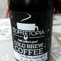 Photo prise au Coffeetopia par Murat G. le10/17/2014