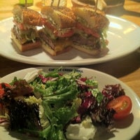 12/31/2012 tarihinde Kira C.ziyaretçi tarafından Cherry Creek Grill'de çekilen fotoğraf