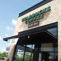 Foto tirada no(a) Starbucks por Kaleb F. em 9/22/2012