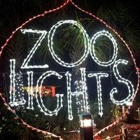 Foto tomada en Houston Zoo por Kaleb F. el 12/29/2012