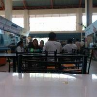 12/31/2012 tarihinde Beer K.ziyaretçi tarafından ตลาดหลักเมือง'de çekilen fotoğraf