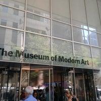 Foto tomada en Museo de Arte Moderno (MoMA) por Stephanie F. el 7/17/2013