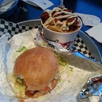 Foto diambil di Union Burger oleh Aaron C. pada 12/8/2013