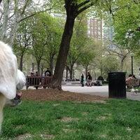 Das Foto wurde bei Rittenhouse Square von Tim K. am 4/19/2013 aufgenommen