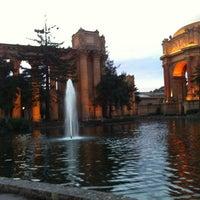 Foto scattata a Palace of Fine Arts da Azu il 1/26/2013