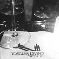 รูปภาพถ่ายที่ Toscana Divino โดย Don't Panic M. เมื่อ 12/9/2012