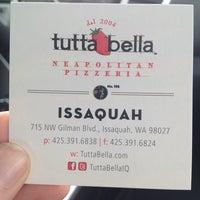 Foto diambil di Tutta Bella Neapolitan Pizzeria oleh Kristen C. pada 5/15/2013