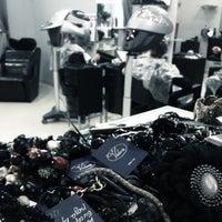 Photo prise au Студия красоты Серж Климов par Nadya V. le10/13/2012