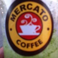 9/20/2012 tarihinde Adelziyaretçi tarafından Mercato Coffee'de çekilen fotoğraf