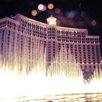 Foto tomada en Bellagio Hotel & Casino por Kayla B. el 7/15/2013