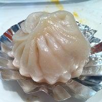 Das Foto wurde bei Koi Palace 鯉魚門海鮮茶寮 von Erica C. am 7/25/2013 aufgenommen