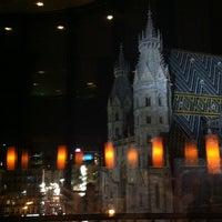 Das Foto wurde bei DO & CO Restaurant von Oya J. am 4/26/2013 aufgenommen