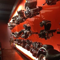 Das Foto wurde bei Harley-Davidson Museum von Jiri M. am 4/6/2013 aufgenommen