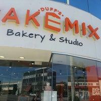 2/22/2013にRaquel D.がDuff's Cakemixで撮った写真