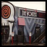 รูปภาพถ่ายที่ The Vortex Bar & Grill โดย Des M. เมื่อ 12/15/2012