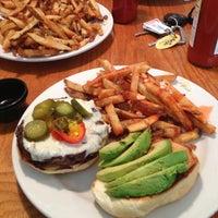 Снимок сделан в Tyler's Restaurant & Taproom пользователем Alvaro A. 5/9/2013