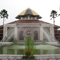 Foto diambil di Masjid Kampus UGM oleh Norio A. pada 11/2/2012