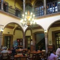 Foto tirada no(a) Restaurante La Posada Del Virrey por Guillermo G. em 8/24/2013