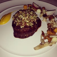 รูปภาพถ่ายที่ Emilie French Restaurant โดย Lia Deliana S. เมื่อ 3/28/2013